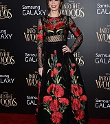 EmilyBlunt Arrives Into The Woods World Premiere - December 8