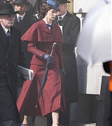 Emily_Blunt_-_Filming__Mary_Poppins_Returns__in_Central_London_on_March_3-02.jpg