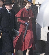 Emily_Blunt_-_Filming__Mary_Poppins_Returns__in_Central_London_on_March_3-13.jpg