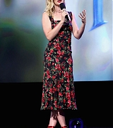 Emily_Blunt_at_Disney_s_D23_EXPO_2017_in_Anaheim2C_CA_-_July_15-01.jpg