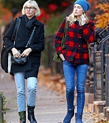 In_New_York_City_-_November_30-04.jpg