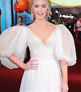 Emily_Blunt_-_World_Premiere_of_Disney_s_Mary_Poppins_Returns____in_Hollywood_-_Nov_295.jpg