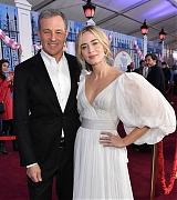 Emily_Blunt_-_World_Premiere_of_Disney_s_Mary_Poppins_Returns____in_Hollywood_-_Nov_298.jpg